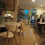 スペース イー カフェ - いつもの店内です。