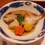 おにやまホテル - 煮物は「小鯛煮付」です。