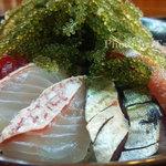 海邦丸 - 海ぶどう海鮮丼アップ