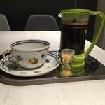 カフェ グリシンヌ - フレンチプレスブレンドコーヒー