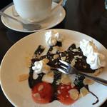 カワカフェ - 追加セットのデザートとコーヒー