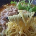 プレミアムサフォークダイニング シズオ - 麺アップ