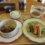 カフェ ド ヒラオカ - この日のランチ880円は中華風のランチでした、とても学生が作ったとは思えない料理です。