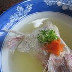 戸田本店 - 酸味あるお出汁は白ポン酢が落としてある。鯛が美味しい!