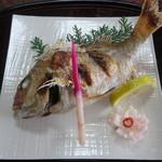 戸田本店 - 鯛の塩焼き一尾