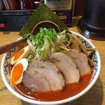 極麺 小次郎  - 赤鬼らぁ麺全部のせ