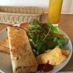 エル.エス カフェ - トースト&サラダモーニング