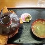 ニコニコ亭 - ソースかつ三枚丼\740