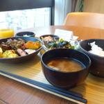 カンデオホテルズ松山大街道 - 朝食バイキング