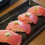 回転寿司 まる - 近大マグロの中トロ