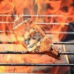 4609022 - 炙り中の藁焼き鰹のタタキ