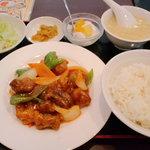 日昌園 - ランチの酢豚定食