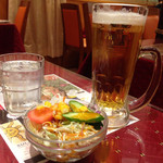 46090215 - ビール&サラダ