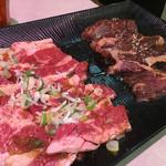 焼肉や漫遊亭 - カルビ ハラミ盛り