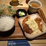 炭火焼鳥 権兵衛 - チキン南蛮ランチ950円(税込)