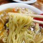 北京楼 - 麺はやわめ~ でも餡かけに合ってると思います~