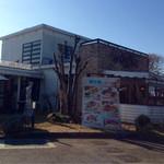 伊太利亜台所 - 広い店内♪ 駐車場も広いです