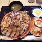 ぶたいち - 北海道帯広 特上炭火焼ロース・バラ ミックス豚丼レギュラー¥1460