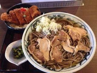 といや - 肉そば+ミニかつ丼 ¥1000