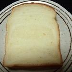 二葉屋 - ふんわり食パン(260円)