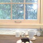 46105303 - 2015/12 木枠の引き上げ窓が『赤毛のアン』って感じv