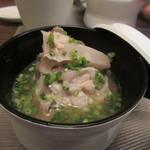 自然派 和食 ダイニング&カフェ SOLA -   御飯と一緒に出て来た汁椀はあら汁、元々新鮮な魚なんで出汁が良く出て美味しいあら汁に仕上がってます。