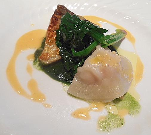ボン・ヴィラージュ - 本日の魚料理:まな鰹のソテーレモンのソース 海老のラビオリほうれん草とバジルのソース