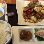 中国菜品 空心房 Produced by えびえびそば - 今日のランチは「回鍋肉」