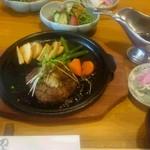 CHEZ のぶくに - 料理写真:さつま黒毛和牛手ごねハンバーグランチ
