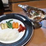 46121591 - 同席者の食べたハヤシライス