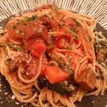 トレ・バンビーニ - 牛タンのトマトソースパスタ