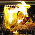 焼肉レストランひがしやま - 凄い炎!!