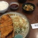 とんかつ山本 - とんかつ定食(¥800)