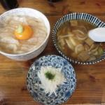 みなと食堂 - 平目漬け丼とせんべい汁のセット 1350円