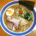 まるとら本店 - らー麺(豚骨魚介)