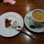 46132114 - デザートとコーヒー(プチサイズ)