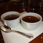 ステーキダイニング アイリス - ソースは「和風ソース」「オニオンマッシュルームソース」