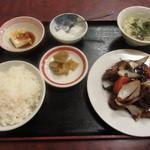一品香 - 黒酢酢豚定食 880円