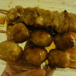 石崎ぎょうざ店 - つくね、焼き鶏