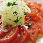トマトと玉葱のサラダ