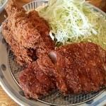 46138657 - トンカツ(150g)&カキフライ定食