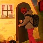マジックレストランーネバーエンディングランド - トリックアートのある壁。写真撮ってね♪