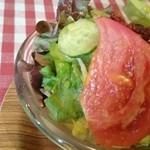 46144502 - ローストビーフ丼のセットのサラダ♪