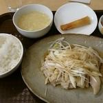 新東明中南海 - 蒸し鶏葱油かけ定食