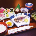 鯛丸海月 - ひもの定食