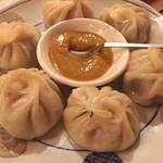 ミルミレ - モモは、ネパールの蒸し餃子。羊の挽肉が美味い。