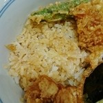 銀座 天一 - 白飯のタレ浸み具合