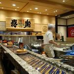 グルメ回転寿司 函太郎 - 店内
