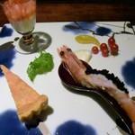 創作料理 宿 - 前菜は天使の海老キャビア添え・フォアグラのキッシュ・蕪のブランマンジェ・サーモンといくらのマリネ・マイクロトマト、素敵♪