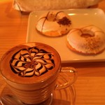 46163271 - H27/2きれいなカフェモカと焼きドーナツ